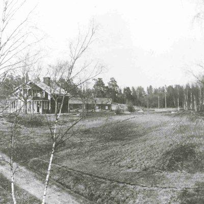 Gubbkärrets gård 1922. Foto: Stockholms stadsmuseum, cc: by-nc-sa.
