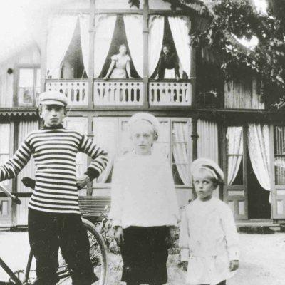 Söner till J Z Petterson ägare till Gubbkärrets gård, 1898, Foto: Stockholms stadsmuseum, cc: by-nc-sa.